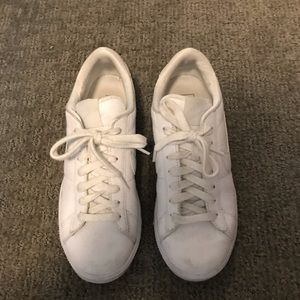 Nike blazer low tennis shoe sneakers